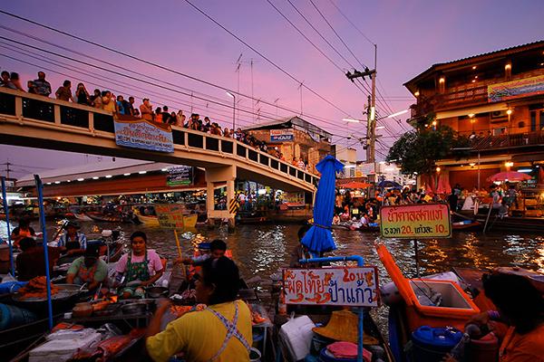 river-market